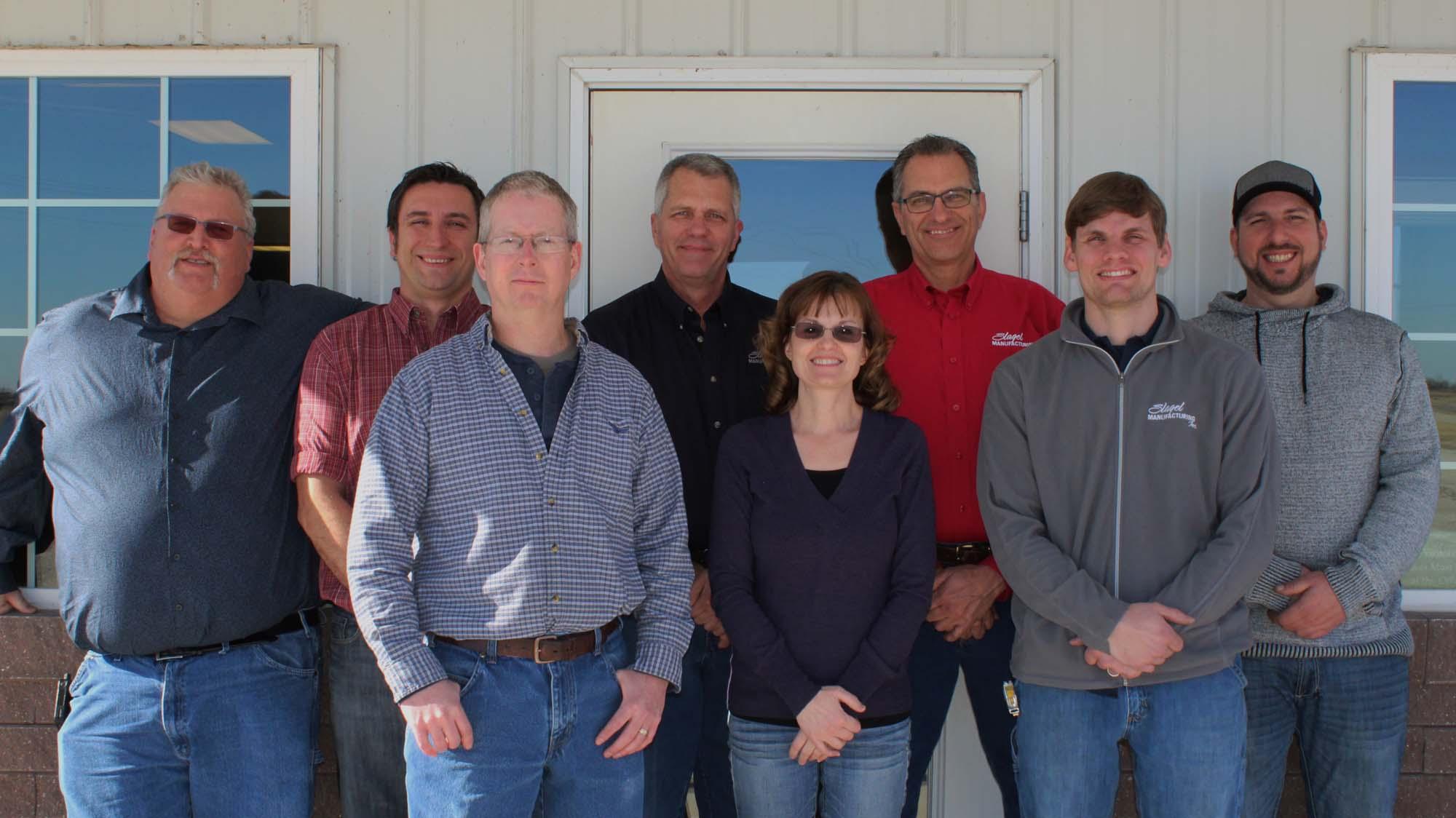 slagel-manufacturing-team-group-1